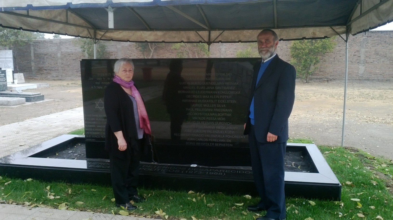 Olga Weisfeiler & Mario Sadovnik, of Bnai Brith Chile, at the Memorial. Santiago, Chile. April 6, 2014