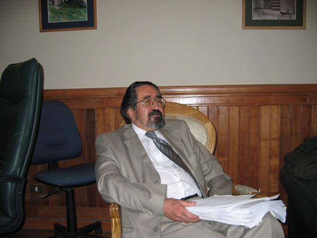 2004. Judge Alejandro Solis during the meeting with the Weisfeiler family on March 8, 2004.