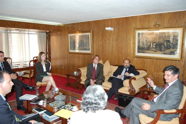 2008. Meeting with Defense Subsecretario Gonzalo Garcia Pino (L).