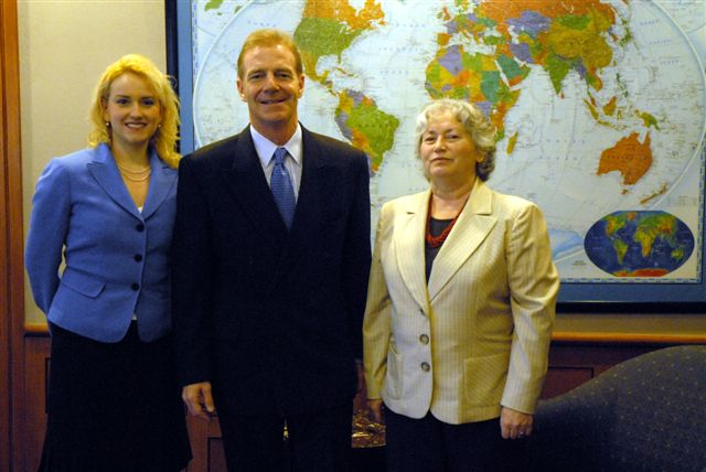 2007. U.S. Ambassador to Chile Craig Kelly at the meeting with Olga and Anna Weisfeiler