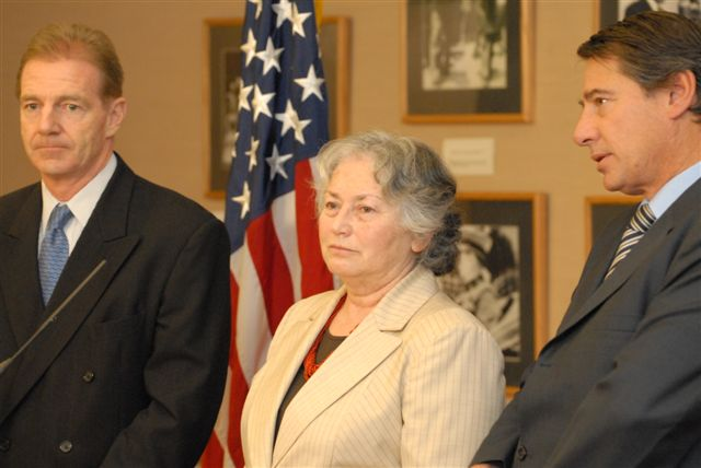 2007. The U.S. Ambassador, Craig Kelly, and Olga Weisfeiler at Media Availability. The U.S. Embassy,  March 22, 2007.