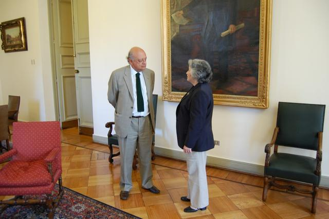 2008. Palacio de la Moneda. Olga Weisfeiler at the meeting with Secretary General of the Presidency Jose Antonio Viera-Galo (L)